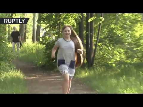 شاهد نينا بيتشكوفا تفوز بلقب صاحبة أطول شعر في روسيا