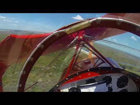 شاهد تصرف ذكي من طيار توقف محرك طائرته في الهواء