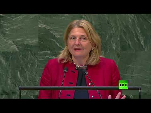 شاهد وزيرة خارجية النمسا تستعين باللغة العربية