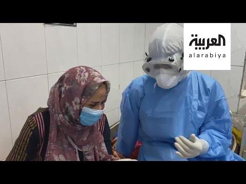 شاهد ممرض في البصرة يرفع معنويات مصابي كورونا بالغناء