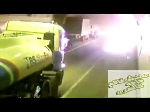 بالفيديو شاهد إنفجار سيارة نقل مُسرعة داخل نفق