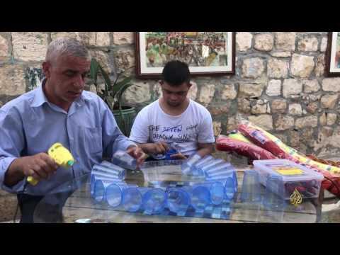 شاهد: عبد الجليل الرازم فنان تشكيلي مقدسي متعدد المواهب