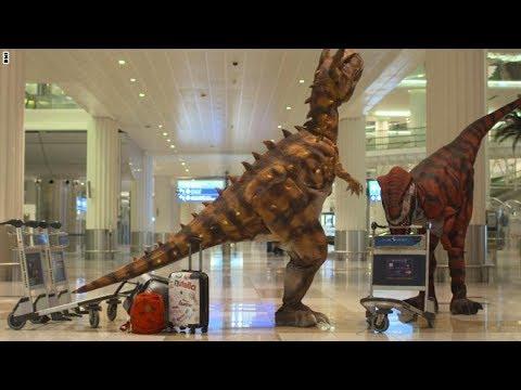 لايف ستايلبالفيديو  ديناصورات تستقبل المسافرين في مطار دبي الدولي