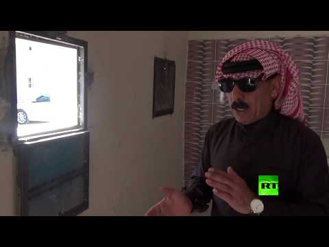 شاهد فنان سوري شهير يتبرع بالخبز لمحتجين