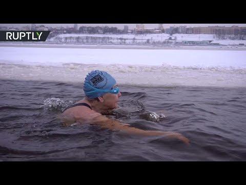 شاهد: روسية في الـ83 من عمرها تفوز ببطولة العالم في السباحة الشتوية