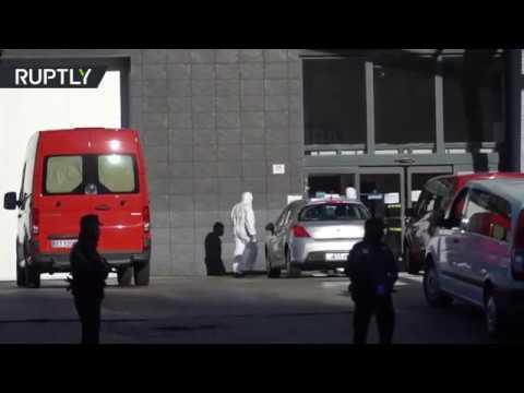 شاهد تحويل مجمع القصر الجليدي في إسبانيا إلى مشرحة لضحايا كورونا