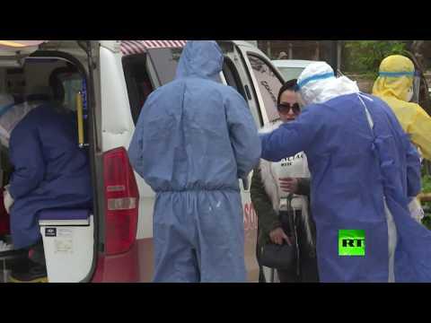 شاهد أطباء القامشلي يجرون فحوصات طبية لقادمين من دمشق