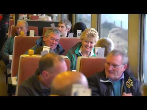 بالفيديو : قطار البخار يعود إلى الخدمة في بريطانيا