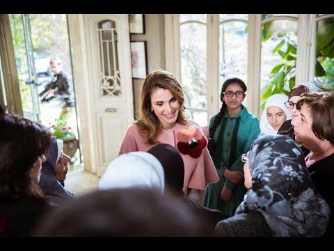 شاهد| الملكة رانيا تعرض فيديو لقصص معاناة أمهات أردنيات
